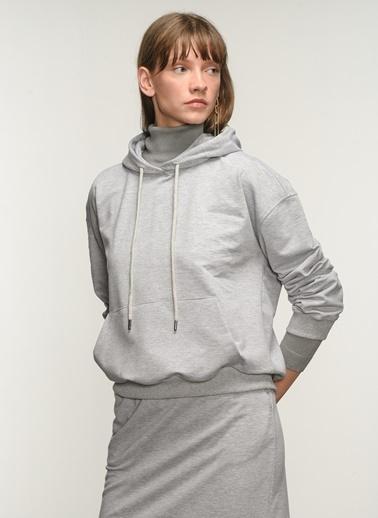 NGSTYLE NGSTYLE Kadın Kanguru Cepli Sweatshirt NGKSS21SW0004 Gri